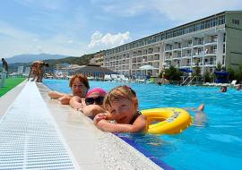 Крым Семидворье  отель  первая линия   с бассейном
