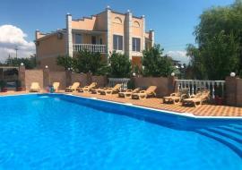 Приморский - Крым Береговое  гостиница с бассейном  недорогой отдых в Крыму